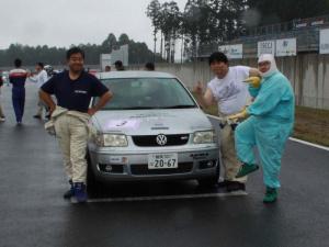 チームメンバー体重合計約300kg 左から大田中、北森、ズラヤン鈴木