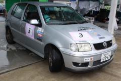 マシンは2001年式VW POLO GTI。clicccarのステッカー付き