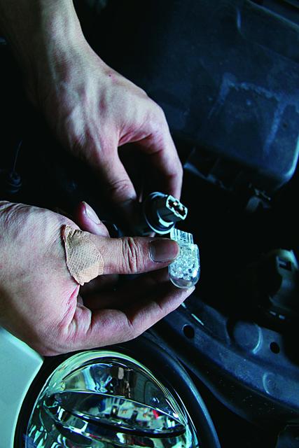 「フロントウインカーをLED化してみよう! 【D.I.Y特集】」の11枚目の画像