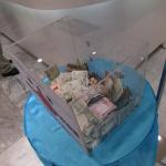 微笑みの国タイでは震災の募金があちこちで【東北関東大震災】 #jishin - バンコクモーターショー募金2