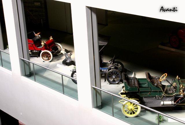 「トヨタが創立75周年で歴代車100台展示 ! 1/5デザインモックも !」の22枚目の画像