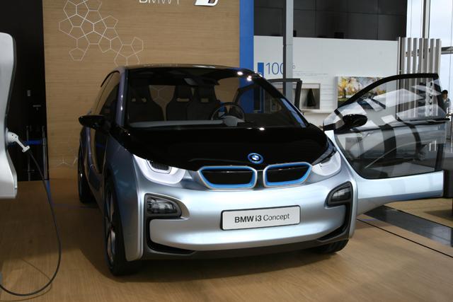 Bmwの電気自動車 I3のカーボンボディをしっかり支えるアルミユニットに注目 Clicccar Com クリッカー