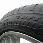 クルマのタイヤが突然パンクしたときの対処法5つ!(スペアタイヤ搭載車編) - S001-RFT-01