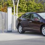 究極のエコカー「燃料電池車」の時代は実はすぐソコまで来ている ! - ホンダFCX クラリティ