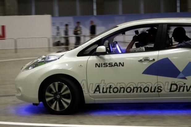 nissan_leaf_autonomous