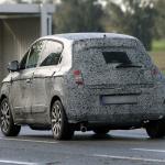 新型トゥインゴはEV、RR、5ドアで登場! - Spy-Shots of Cars