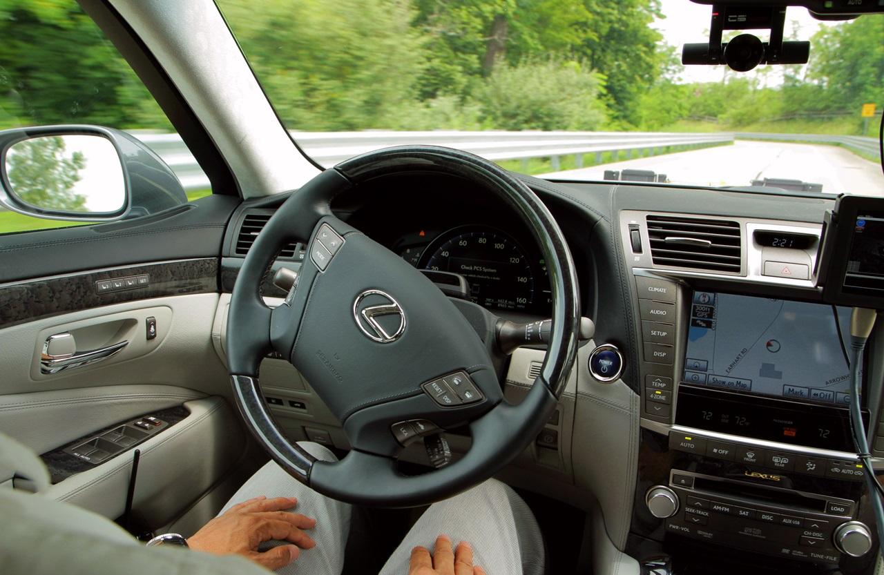 ƃ�定外を潰せるか Ɨ�産が高速道で「自動運転」を実証実験 Clicccar Com Â�リッカー