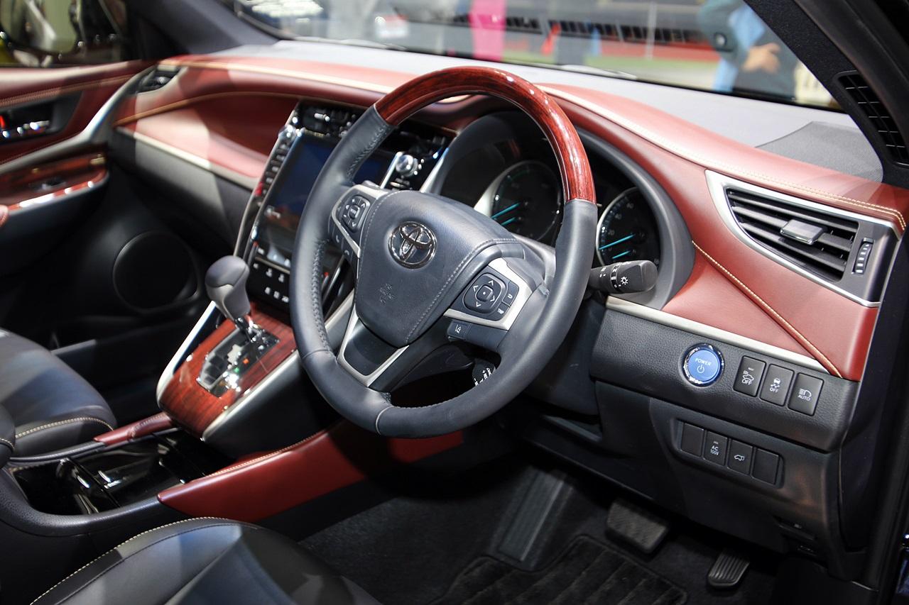 発売目前 新型ハリアーはインテリアも豪華 【東京モーターショー2013】 | Toyota Harrier