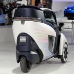 トヨタが出展する超小型モビリティ「i-ROAD」の走りは新感覚!【東京モーターショー2013】 - TOYOTA_iROAD