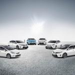 トヨタの国内生産累計1.5億台達成、もちろん最多は… ? - 2013_Toyota_Hybrid_Range_mr