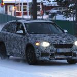 新型BMW X1耐寒テストに初登場スクープ! - 4A4_3433-3024644741-O