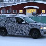 新型BMW X1耐寒テストに初登場スクープ! - 4A4_3437-3024645740-O