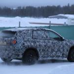 新型BMW X1耐寒テストに初登場スクープ! - 4A4_3443-3024647382-O