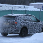 新型BMW X1耐寒テストに初登場スクープ! - 4A4_3445-3024647899-O