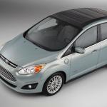 太陽光発電で充電できるフォードのハイブリッドカー【CES2014】 - C-MAXSolarEnergi_01_HR