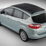 太陽光発電で充電できるフォードのハイブリッドカー【CES2014】 - C-MAXSolarEnergi_10_HR