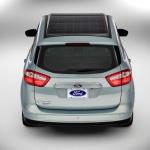 太陽光発電で充電できるフォードのハイブリッドカー【CES2014】 - C-MAXSolarEnergi_11_HR