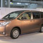 トヨタのミニバン新型「ノア/ヴォクシー」登場! ハイブリッドの燃費はリッター23.8km!! - NOAH VOXY07
