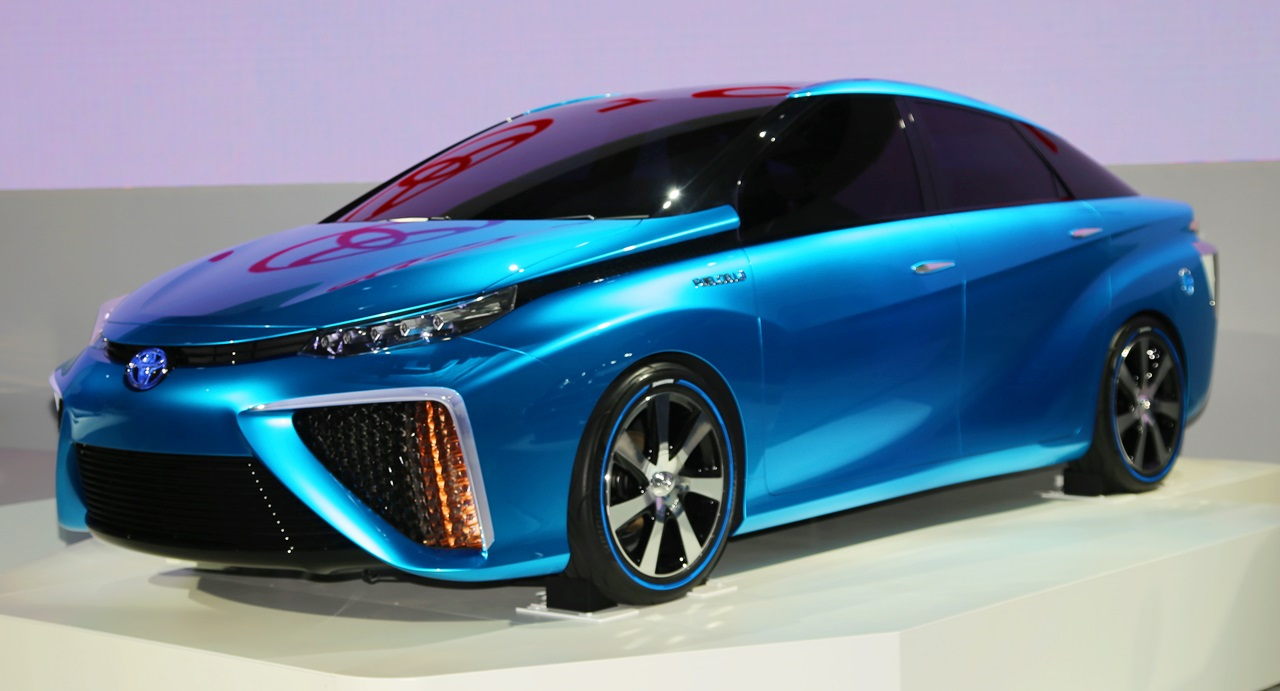 「トヨタ 今夏からFCV(燃料電池車)量産体勢へ! 2015年発売へ」の2枚目の画像