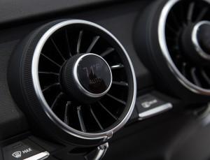 Puristisch, sportlich und clean ?  Audi zeigt neues TT-Interieur auf der CES