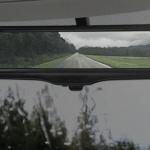 リヤウインドウのカメラが後方画像を映し出す「スマート・ルームミラー」 - NISSAN_SMART_ROOMMIRROR_04