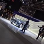 スバル・ヴィジヴ2コンセプトは凍った海を渡る?【動画】 - Subaru_Viziv2_GENEVA201408