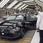 VWが世界販売首位4年前倒しを予告! 中国でPHV開発も? - VW_Golf