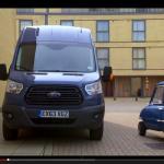 世界最小車がフォード最大のバンの中でやったことは?【動画】 - Small_Large_01