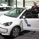自動車4社共同の充電会社発足でEVの普及加速か!? - VW_e-up!