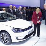 自動車4社共同の充電会社発足でEVの普及加速か!? - VW_e-Golf