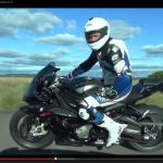 1200馬力のヴェイロンとビッグバイクBMW S1000RRはどっちが速い?【動画】 - veyron_vs_BMW_01