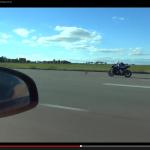 1200馬力のヴェイロンとビッグバイクBMW S1000RRはどっちが速い?【動画】 - veyron_vs_BMW_02