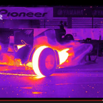 F1のタイヤ温度が目で見えた! 赤外線撮影の映像が衝撃的【動画】 - Flir_Redbull_03