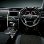 トヨタ「マークX」を一部改良、イエローが鮮やかな特別仕様車を設定 - marx1409_07