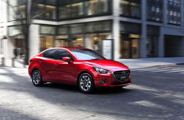 Mazda2_04
