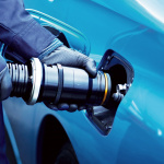 岩谷産業がFCV用水素をHVの燃料代と同等で発売へ! - TOYOTA_MIRAI