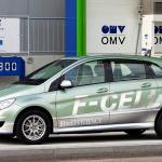メルセデス・ベンツ日本、FCV導入でトヨタに対抗か? - B_Class_F-CELL