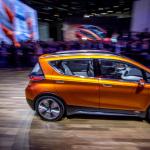 320km走れて価格3万ドルが目標のシボレー電気自動車コンセプト【デトロイトショー2015】 - Chevrolet Bolt005