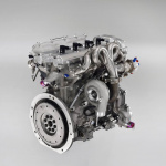 トヨタが2017年からWRC復帰。社長もテストドライブ【動画】── 画像ギャラリー - Yaris_WRC_Engine_2