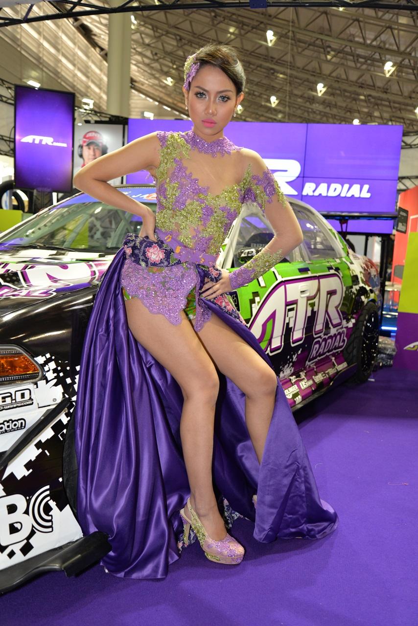 「エキゾチックな美女も人気!【東京オートサロン2015】」の23枚目の画像