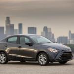 アメリカでトヨタが販売するデミオセダンは1.5リッターで価格190万円 - 2016_Scion_iA_005