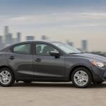 アメリカでトヨタが販売するデミオセダンは1.5リッターで価格190万円 - 2016_Scion_iA_006