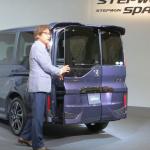 新型ホンダステップワゴンの価格は228万8000円から!話題のわくわくゲートも!! - 新型ステップワゴン_03