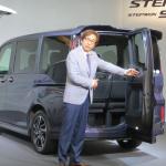 新型ホンダステップワゴンの価格は228万8000円から!話題のわくわくゲートも!! - 新型ステップワゴン_05