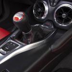 新型「シボレー・カマロ」画像ギャラリー -北米デビューした6代目は4気筒エンジン搭載 - 2016Chevrolet-Camaro-106