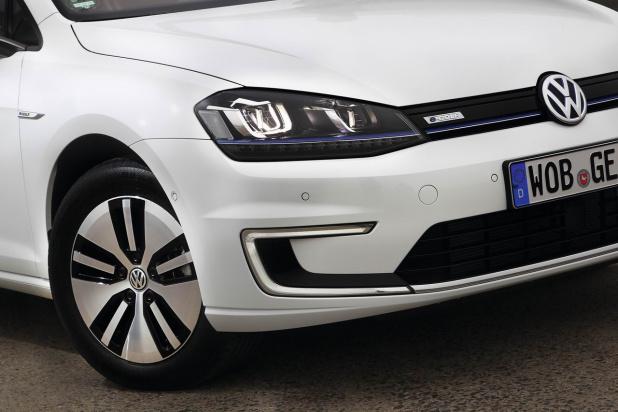 VW_e-Golf20158015