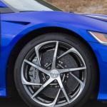 次期NSXにカーボンオプション設定、アメリカで先行フォトデビュー - 2016_Acura_NSX_Exclusive Interwoven Wheels