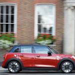 燃費向上でエコカー減税対象車になったMINI Cooper。 Cooper Sも装備充実! - MINI_03