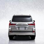レクサスSUVの最上位モデル「LX」が9月14日に日本発売! 価格は1100万円 - lxj1508_002_s