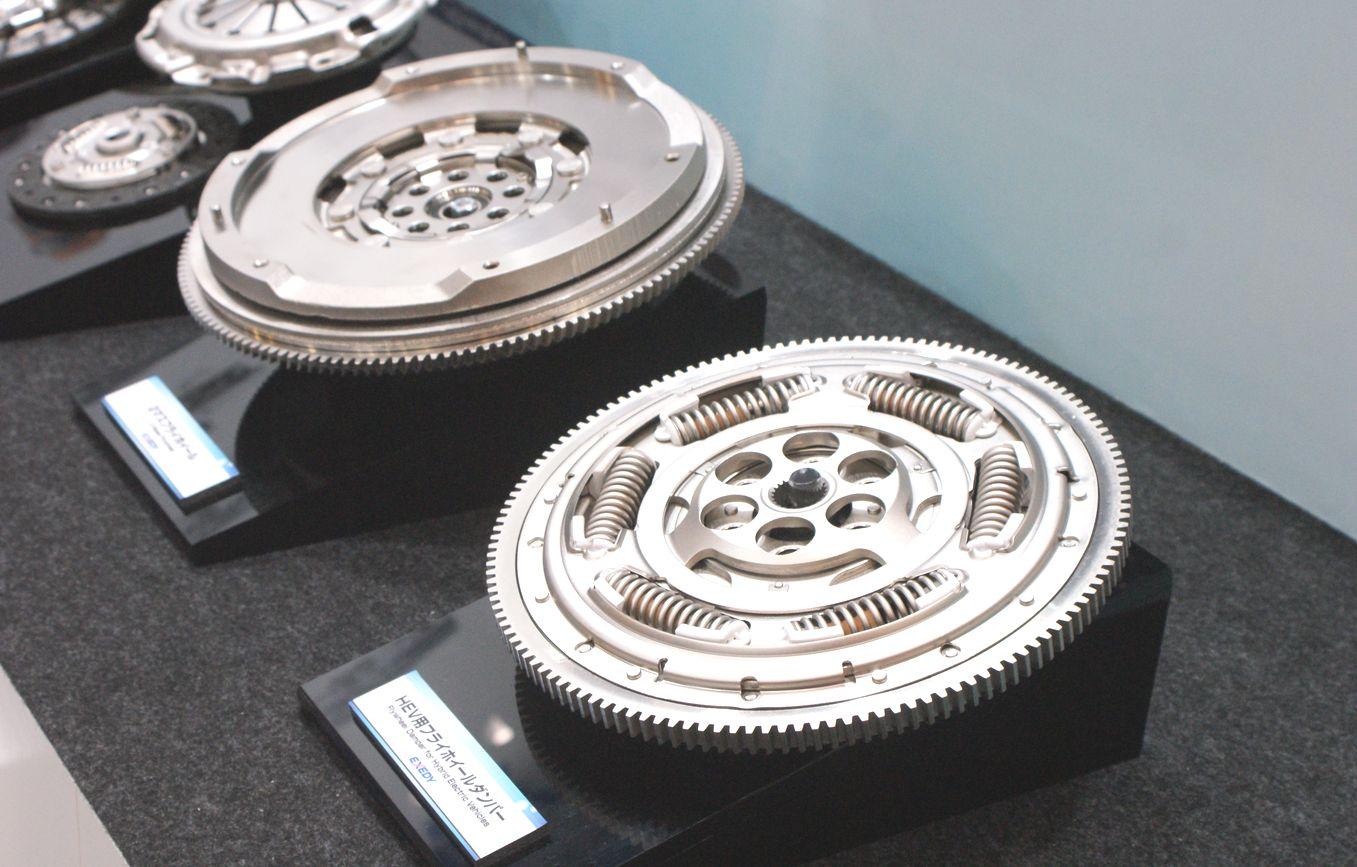 「【東京モーターショー15】エクセディ、多種多様な駆動系技術でアピール」の9枚目の画像